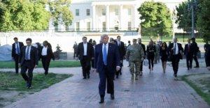 En fortificado de la Casa Blanca, Trump en virtud de agresión verbal por parte de los militares de altos rangos