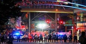 George Floyd protestas: los Manifestantes dirigido a la policía a través de NOSOTROS; 4 tomas en San Luis, 1 en las Vegas, Bronx hit-and-run captado en video