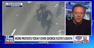 Gutfeld explosiones Antifa como 'fascistas' que están tomando ventaja de la cobardía de los políticos'