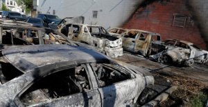 Hace auto cobertura de seguro de los coches dañados durante las protestas o disturbios?