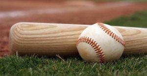 La escuela secundaria de béisbol, softbol volver a Iowa en medio de coronavirus pandemia