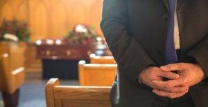 Las familias se perdió en medio de los funerales webcast de registro en cuestión