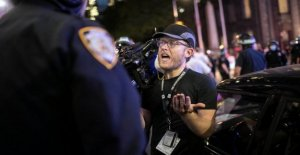 Los periodistas salario legal peleas después de enfrentarse a la protesta de los ataques
