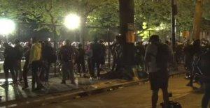 Los toques de queda seguir: las Principales ciudades decirle a los Estadounidenses a permanecer en casa para otra noche