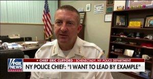 Nueva York, el jefe de la policía: ¿por Qué me arrodillé con George Floyd manifestantes