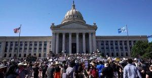 Oklahoma State LB dice que probaron el positivo para el coronavirus después de asistir a la protesta