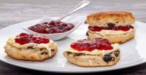 Royal come: Real pasteleros compartir un scone de frutas receta servido en el Palacio de Buckingham