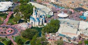 Walt Disney World seguridad capturas piloto que vuela aviones no tripulados ilegal de más de parque cerrado