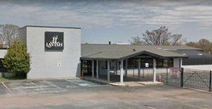 2 muertos, 8 heridos en la discoteca de disparo