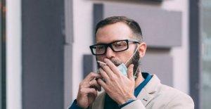 A los fumadores a dejar en números récord en medio de temores Covid