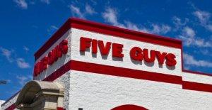Alabama Cinco Chicos a los empleados que, según informes, se negó a servir a los policías han sido despedidos o suspendidos, restaurante, dice