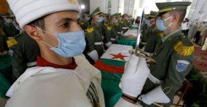 Argelia entierra a los combatientes cuyos cráneos estaban en el museo de París