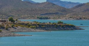 Arizona lago 'electrocución incidente' deja 1 muerto, 2 críticamente herido, oficial de bomberos dice