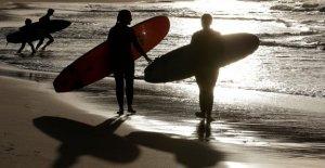 Australia adolescente, de 15 años, asesinado en el ataque de un tiburón mientras que el surf, 2º de muerte en una semana: informes