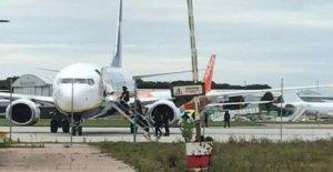 Avión desviado después de la 'bomba nota que se encuentra en el baño
