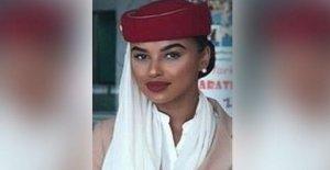 Azafata de vuelo que se celebra en Dubai 'sin razón'