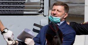 Corte rusa cárceles gobernador enfrenta cargos de asesinato