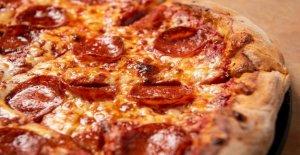 Delaware pizza propietario de la tienda de láminas de robo por el lanzamiento de pie al sospechoso, los policías dicen