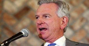 El ex entrenador de los Auburn, Tommy Tuberville derrotas Jeff sessions de Alabama Senado de la escorrentía