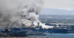 El fuego arde en el USS Bonhomme Richard, de causa desconocida