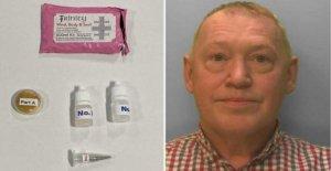 El hombre admite la venta de falsos coronavirus cura kits