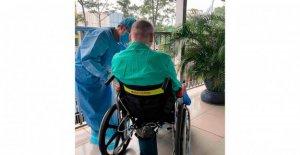 El piloto británico dejar de Vietnam para el hogar después de la recuperación de virus