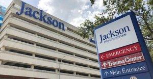 En la Florida, más de 40 hospitales max fuera de la UCI de la capacidad de en medio de la oleada de coronavirus
