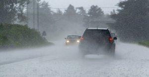 Flash flood envía Nueva Jersey mujer en angustioso viaje en el drenaje pluvial bajo de la ciudad