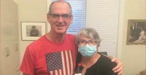Florida mujer consigue trabajo lavando platos en casa de reposo para estar cerca de marido: 'Aislamiento puede matar