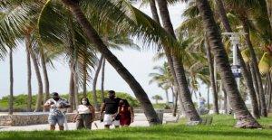 Florida se rompe más grande de un solo día de registro de infecciones por coronavirus en NOSOTROS, mientras que el mundo ve los casos de spike