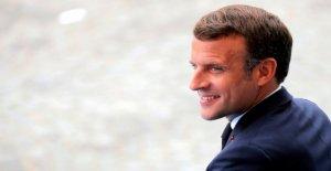 Francia dice: 'merci' virus de los héroes en la conmovedor el Día de la Bastilla