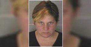 Indiana madre cargada después de la familia del pit bull mezcla mata pequeño hijo
