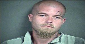 Kansas padre encarcelado después de que la policía encuentra el cuerpo de 3 años de edad, hija: informes