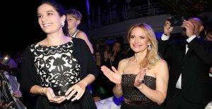 Kelly Preston en su hija, Ella, rinde homenaje a 'valiente' madre después de su muerte