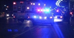La Ciudad de Kansas oficial de policía acusado de relación sexual con su testimonio en el caso de asesinato