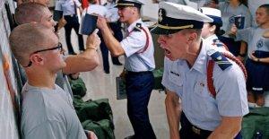 La Guardia costera altera la formación para el entrante de la clase debido a virus