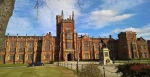 Las universidades ofrecen a los estudiantes garantizado lugares