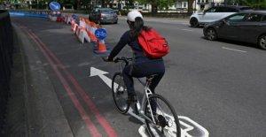 Las ventas de bicicletas de sobretensiones ayuda Halfords a través de bloqueo de seguridad