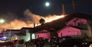 Los bomberos en el condado de California luchado 67 incendio en el Cuarto de julio, algunos despertado por los fuegos artificiales