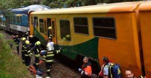 Los trenes chocan de frente cerca de checo-alemán de la frontera; 2 muertos