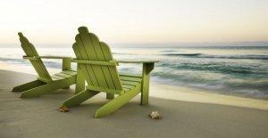 Los turistas causar problemas en las playas españolas reclamando puntos y, a continuación, salir de horas: informe