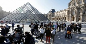 Louvre reabre sus puertas en París, por primera vez desde Marzo de