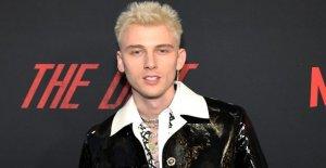 Machine Gun Kelly de luto por la muerte del padre en la emocional, Instagram post: he 'nunca sentí un dolor profundo'