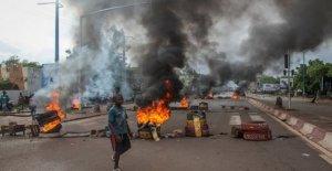 Mali, el presidente exhorta al diálogo después de miles de protesta