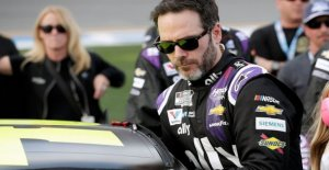 NASCAR es Jimmie Johnson 'confundido' por su COVID-19 pruebas