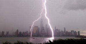 NYC ve impresionante rayos de las tormentas, inundaciones en el Noreste de en medio de la tormentosa semana