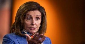Pelosi dice que ella es  absolutamente dispuesto a renunciar receso de agosto para trabajar en el coronavirus paquete de alivio