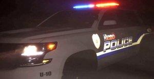 Pistolero dispara 2 policías de Texas, llega el 3er lugar en la pistolera: policía