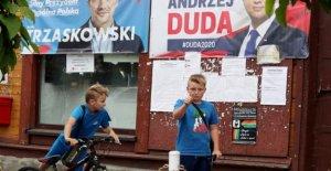 Polonia se enfrenta trascendental elección en apretado presidencial de la escorrentía