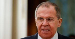 Rusia del ministro de asuntos exteriores se burla de intel en recompensas a los Talibanes